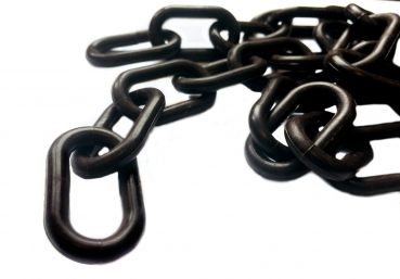 Plastic chain 8 mm black